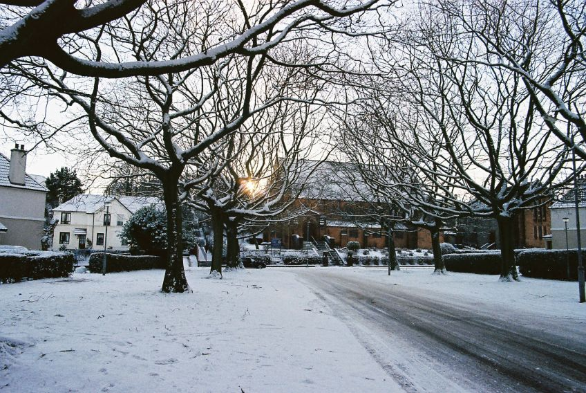 Snow falls in Mosspark, Glasgow