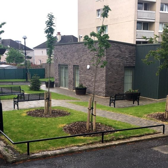 Nice landscaping around Jura Court community room
