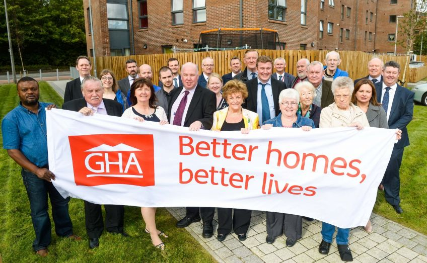 Officials welcome the new GHA homes in Pollokshaws