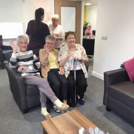 tenants visit new-look 415 Nitshill Road