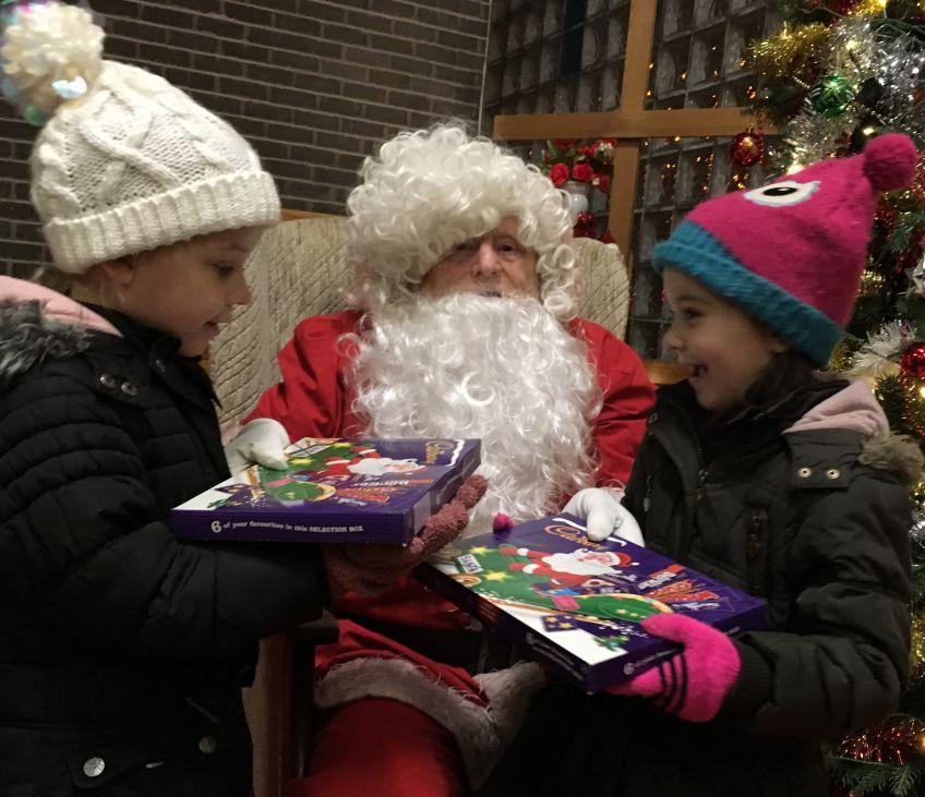 Christmas lantern parade in Milton