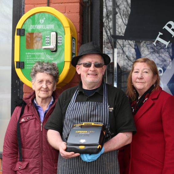 tenants join Balornock butcher Donnie Shaw in calling for more defibrillators